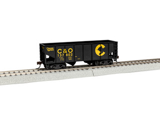 1954020 HO Scale Lionel 2-Bay Hopper Chessie #13780