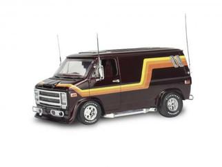 85-4490 Revell 76 Chevy Custom Van 1/25 Scale Plastic Model Kit
