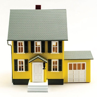6370 O Scale Model Power Benson's House-Lighted w/2 Figures