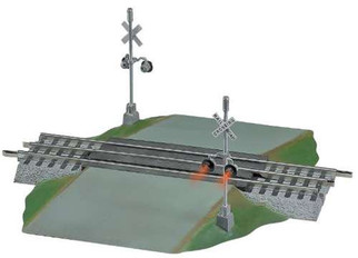 6-12052 Lionel Fastrack Grade Crossing with Flashers