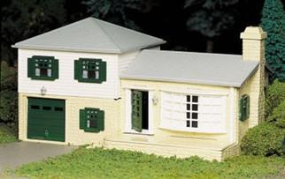 45607 Bachmann O Scale Plasticville?? U.S.A. Kit  Split-Level House