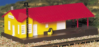 45907 Bachmann N Scale Plasticville U.S.A. Freight Station