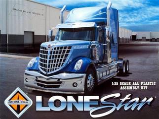 1300 Moebius Models International LoneStar 1/25 Scale Plastic Model Kit