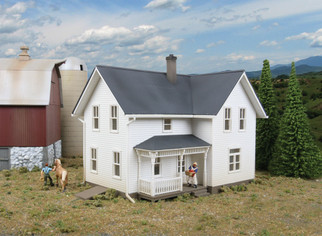 933-3333 HO Scale Walthers Cornerstone Lancaster Farmhouse Kit