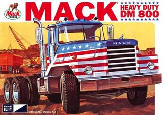 MPC899 MPC Mack Heavy Duty DM800 1/25 Scale Plastic Model Kit