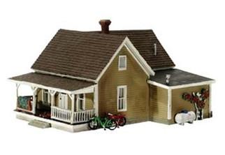 BR5027 Woodland Scenics HO Granny's House