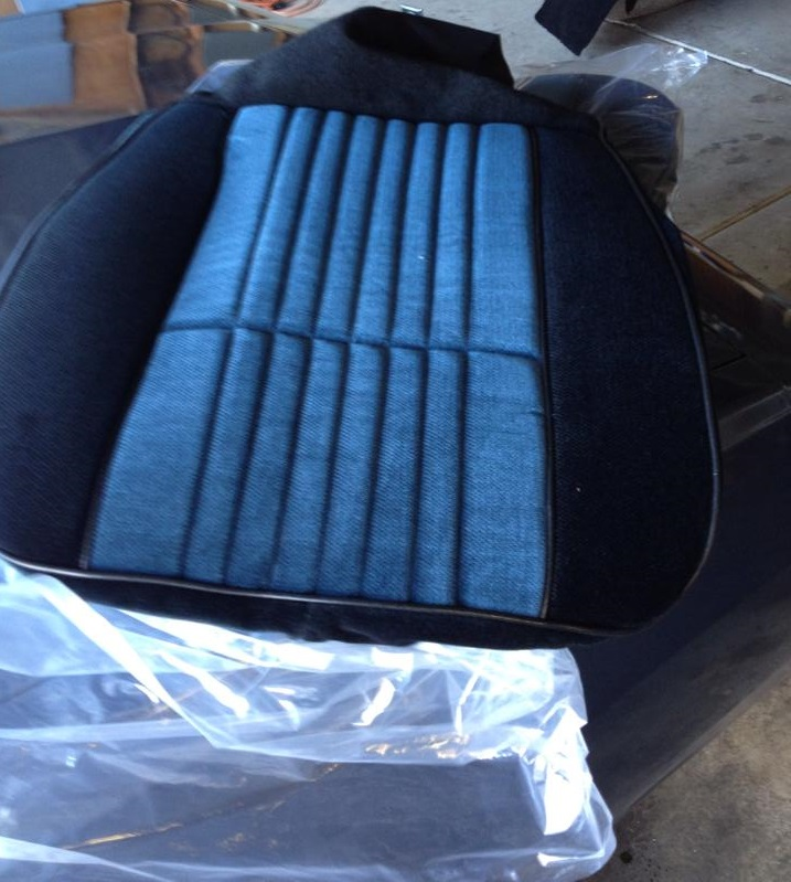 seat-covers-custom-2-tone-black-and-blue-grand-national-style-t-type.jpg