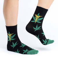 https://d3d71ba2asa5oz.cloudfront.net/12020345/images/gls3157%20marijuana%20crew%20socks.jpg