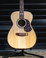 MATON EA80 AUSTRALIAN ACOUSTIC/ELECTRIC GUITAR