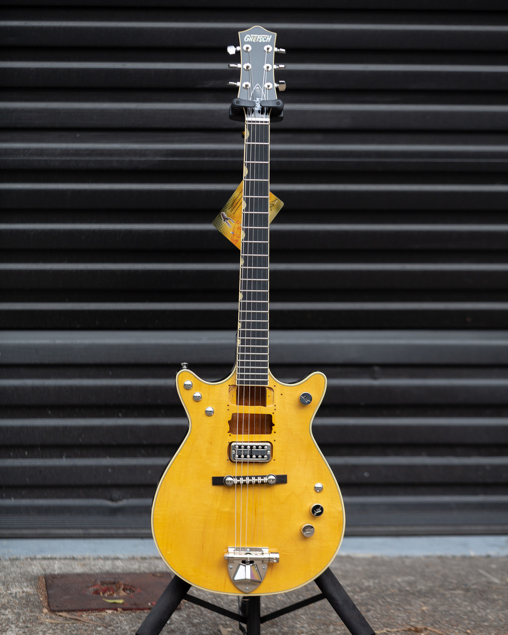 gretsch professional g6131 my malcolm young signature jet natural on sale at guitar world. Black Bedroom Furniture Sets. Home Design Ideas