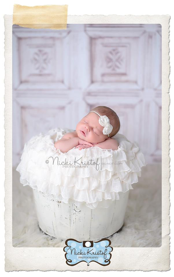 Item 1881 4ft x 4ft Shabby White Ornate Old Carved Wood Wall Photography Backdrop Exclusive Design