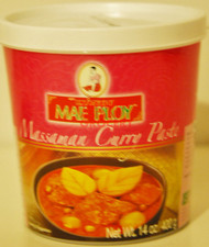 MAE PLOY MASSAMAN CURRY 400G