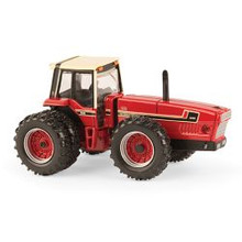 1:64 International 3588 2+2 2016 NFTM 4WD Tractor