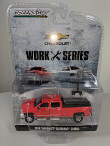 1:64 2018 Chevrolet Silverado 3500HD 4X4 Dually PKUP in Red Hot