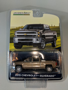 1:64 2015 Chevrolet Silverado in Brown with Tool Box