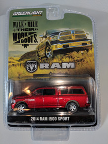 1:64 2014 Dodge Ram 1500 Sport with Topper in Red