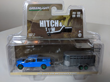 1:64 Hitch & Tow Series 14 - 2016 Ford F-150 with Blue Livestock Trailer Green Machine