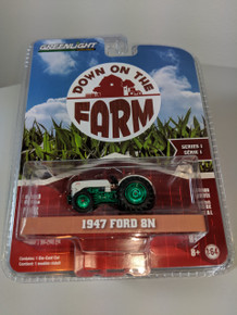1:64 Down on the Farm Series 1 - 1947 Ford 8N Tractor - Green Machine