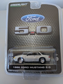 1:64 1988 Mustang 5.0 Coupe Foxbody Series 3 In Silver, LBE Exclusive