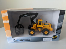 1:50 Volvo L180C Log Grapple 4WD