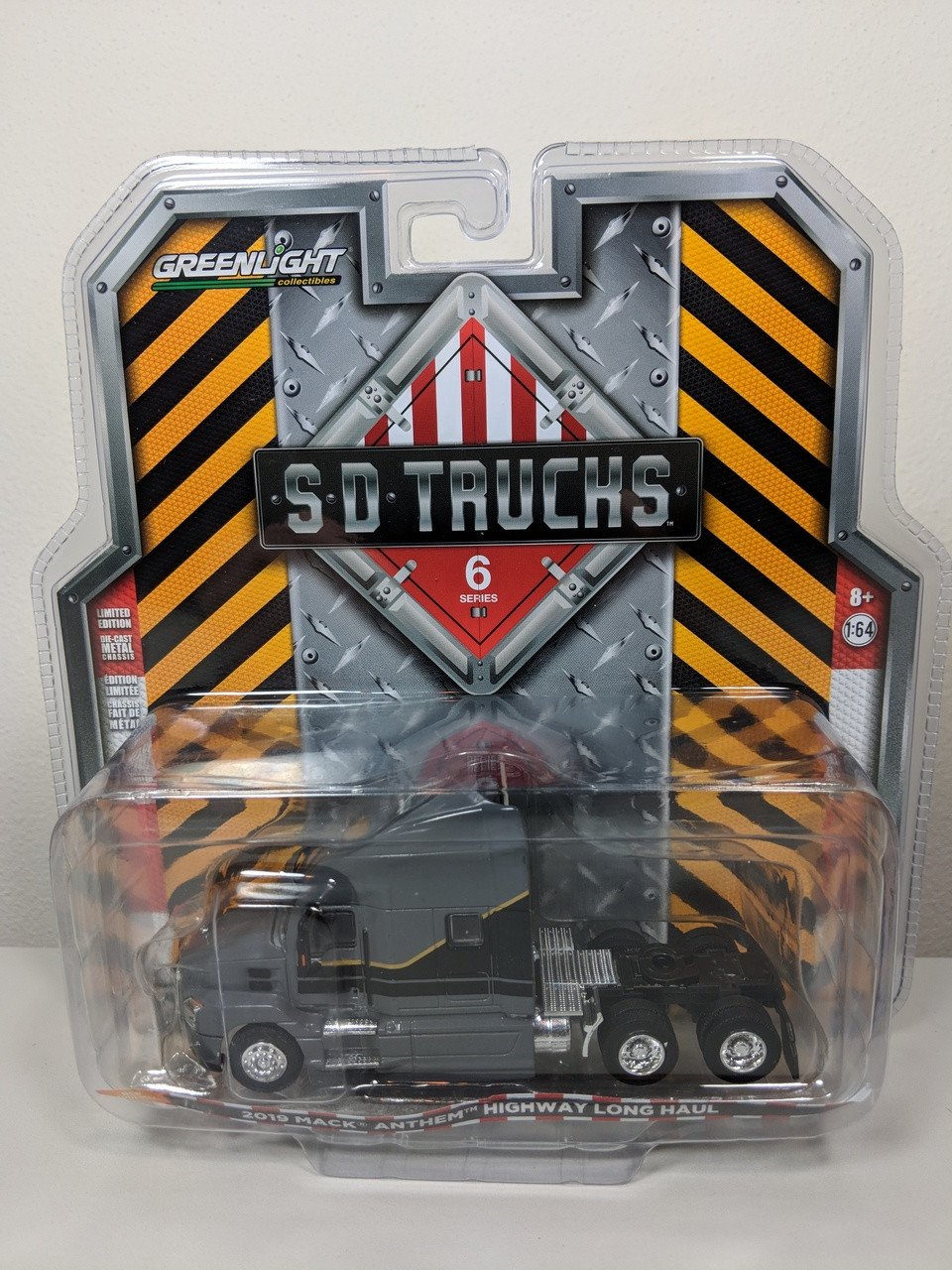 1:64 S D  Trucks Series 6 - 2019 Mack Anthem Truck Cab