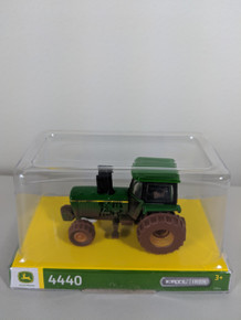 1:64 John Deere 4440 with FWA, Dirty Version