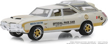 1:64 1972 Oldsmobile Vista Cruiser 56th Annual Indianapolis 500 Mile Race Official Pace Car Medical Director (Hobby Exclusive)
