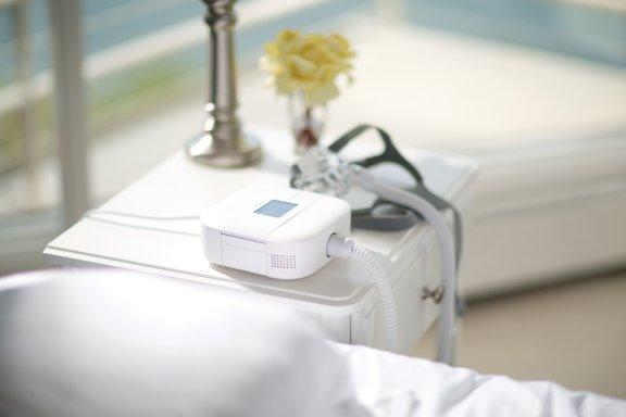 dreamstation-go-bedside-small.jpg