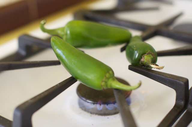how to roast jalapenos on gas stove top