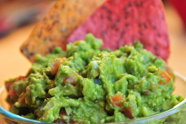 how to make game day guacamole