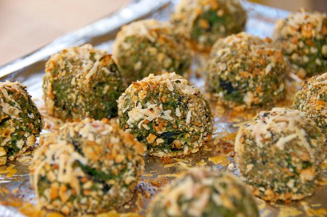 how to make spinach & kale cheese balls