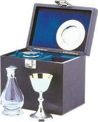 Silver plated 4 pce Georgian communion set crystal cruet in box