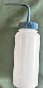 Plastic wine cup filler