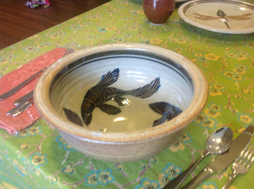 Serving Bowls-2 Quart with Fish Decoration