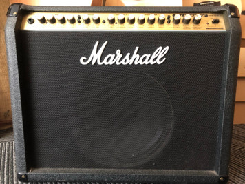 Marshall VS100 Combo, dual channel with individual reverb for the clean and dirty channels. In great working order having just been serviced. The cooling fan is slightly noisy as per all older VS models but soon quietens down. As with all used instruments the pictures provided form part of the description so please study them carefully.