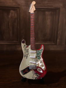 COLLECTIBLE MINIATURE GUITAR
