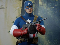 Hot Toys - Captain America (Star Spangled Version) 2013 Toy Fairs Exc