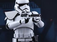 Hot Toys - 1st Order Stormtrooper (Squad Leader) HT Exclusive