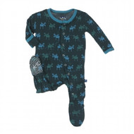 You will want to snuggle your little one up just a little bit longer in our soft and cozy Footie. Our best selling Footie feature flip paws to cover cold hands and prevent scratching. The inside of the foot is lined with super soft fleece and the bottom is embroidered with our signature spots to prevent slipping. Pair with one of our Swaddling Blankets in coordinating patterns for a great gift!  Made of 95% Viscose from Bamboo, 5% Spandex