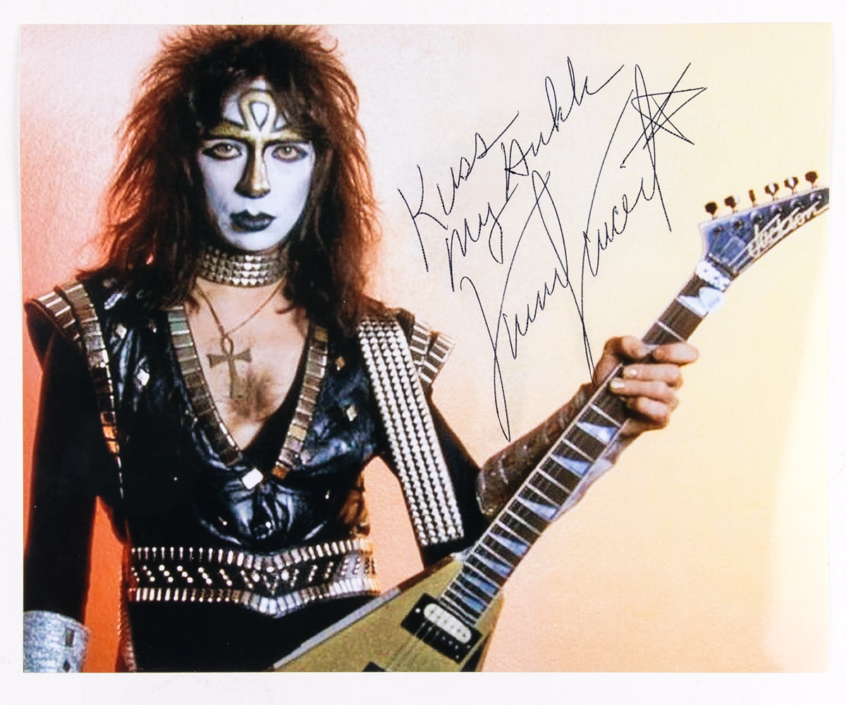 Vinnie Vincent Autograph 8 X 10 Signed Photo Black