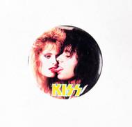 KISS Button - Animalize Gene w/girl
