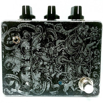 Ezhi & Aka The Flutter lofi flutter/vibrato/tapestop pedal controlled via non-linear strange IR sensor