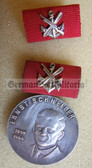 om628 - GST Ernst Schnell medal in silver in box - older version of the medal