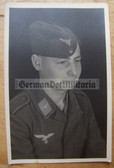 lwpc081 - Luftwaffe Soldat studio portrait photo - dated 1943