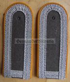 sblay005 - 10 - UNTERFELDWEBEL - Nachrichten - Signals - pair of shoulder boards