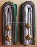 sbgt012 - OBERFAEHNRICH - Grenztruppen - Border Guards - pair of shoulder boards