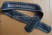 om200 - 12 - VP Volkspolizei police Betriebsschutz uniform cuffband