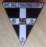 om739 - NATIONALSOZIALISTISCHE FRAUENSCHAFT NSF - small size enamel membership badge