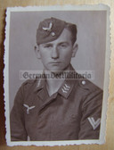 lwpc021 - Luftwaffe portrait photo with overseas cap