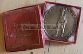 om009 - c1935 German Saarland DEUTSCH IST DIE SAAR cased table medal